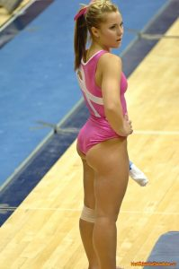 Sport is een voorbeeld waar billenkoek gebruikt wordt tot op het hoogste niveau en dat geldt zeker voor turnen.
